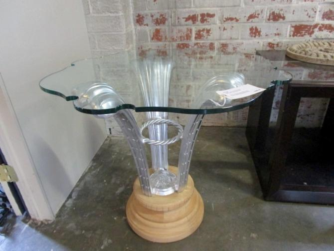 GLASS TOP ACCENT TABLE WITH SILVER PLUME FEATHER BASE
