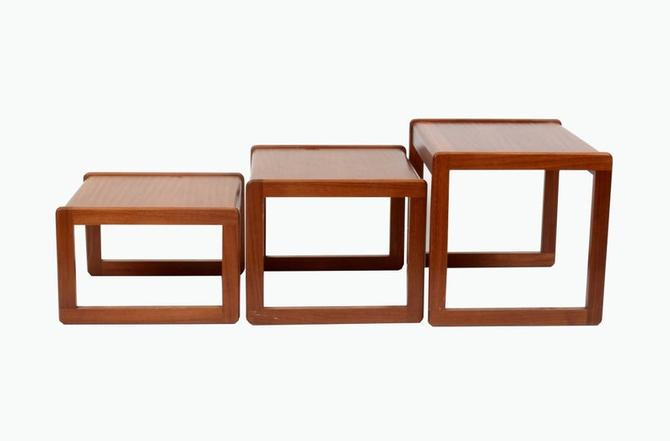 "SUNELM Nest Tables | 1970s Mid-Century Modern teak nesting tables. Largest table measures: 20"" w 