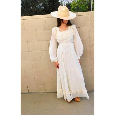 Gunne Sax Maxi Dress // vintage 70s boho hippie wedding 1970s cotton hippy white country empire waist floral high prairie corset lace / XS/S by FenixVintage