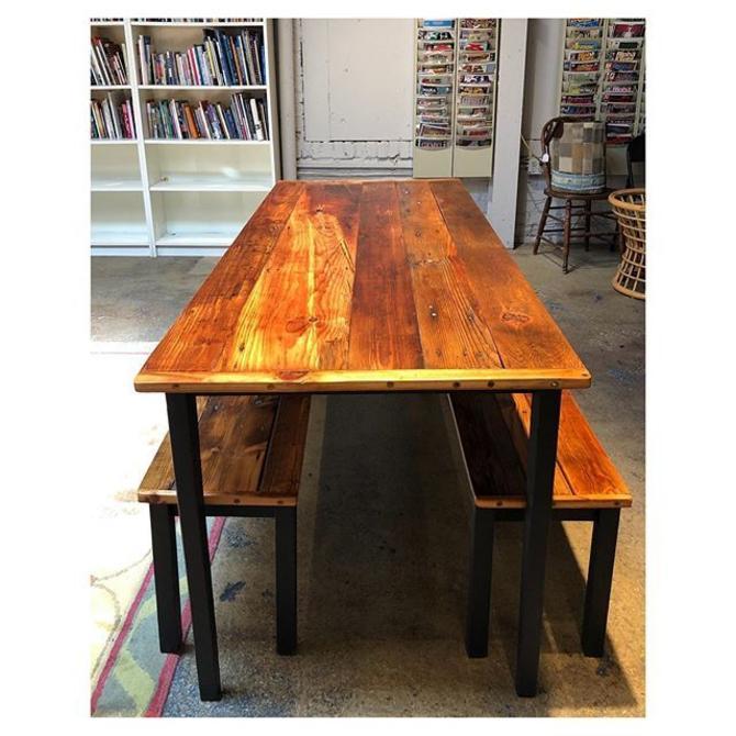 "Reclaimed wood table 69.5"" L x 28.3"" D x 30"" H"