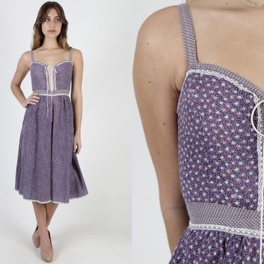 Purple Calico Gunne Sax Pockets Dress / 70s Country Folk Style Dress / Violet Floral Corset Prairie Dress / Vintage Lace Trim Peasant Mini by americanarchive
