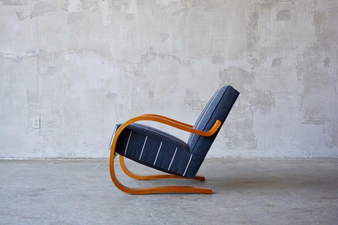 Alvar Aalto '402' Chair. by FandFVintage