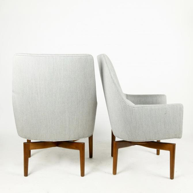 Pair of Swivel Chairs by Jens Risom