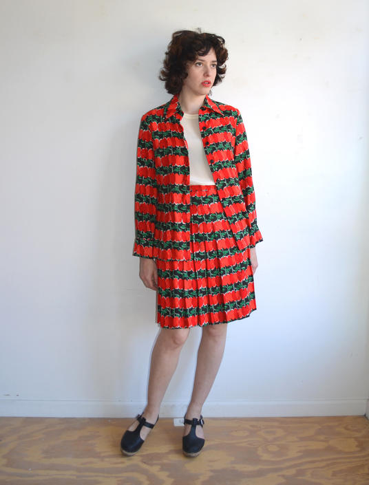 SALE 25% OFF Vintage 70s Vera Apple Print Two Piece Suit/ Wrap Skirt and Blouse Novelty Fruit Print/ Teacher/ Medium Large by bottleofbread