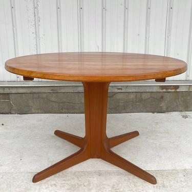 Mid-Century Teak Dining Table with Leaves by secondhandstory