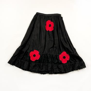 Vintage Black Victorian Cotton Lace Ruffle Skirt / Red Daises / Floral / Goth / Handmade / Prairie / 1800s / 1900s / Small / Antique / by shoptrashdotnet