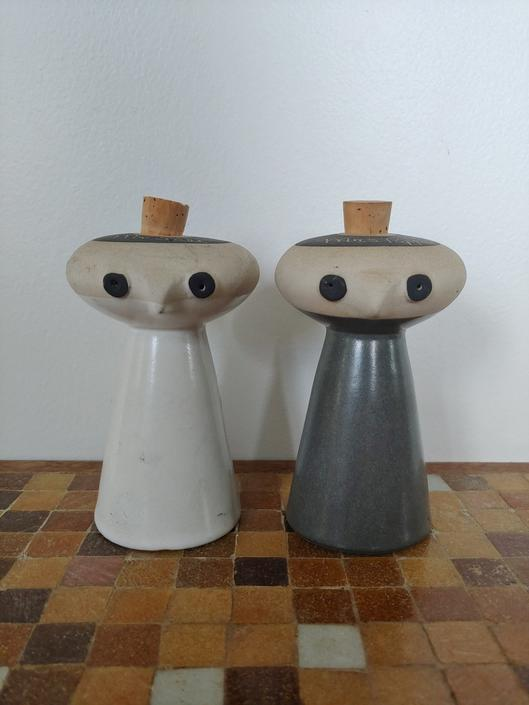 Vintage Bennington Potters Mr. Salt and Mrs. Pepper Shakers by David Gil by ModandOzzie