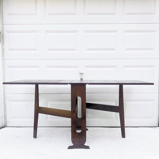 Mid-Century Drop Leaf Table by secondhandstory