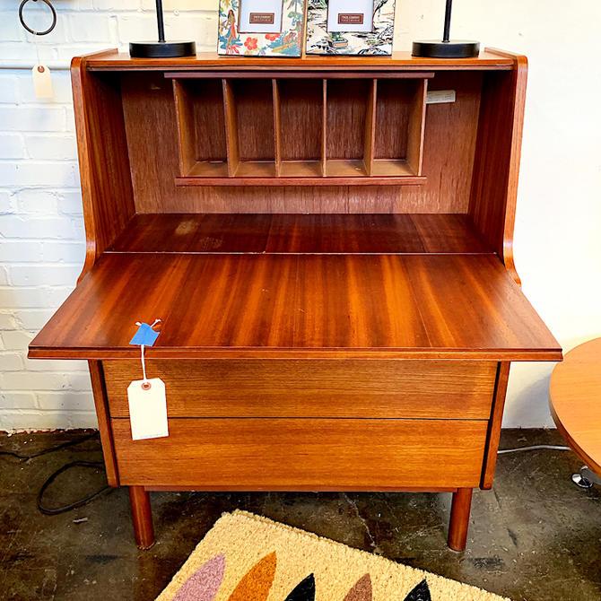 Cute MidCentury Modern Secretary Desk