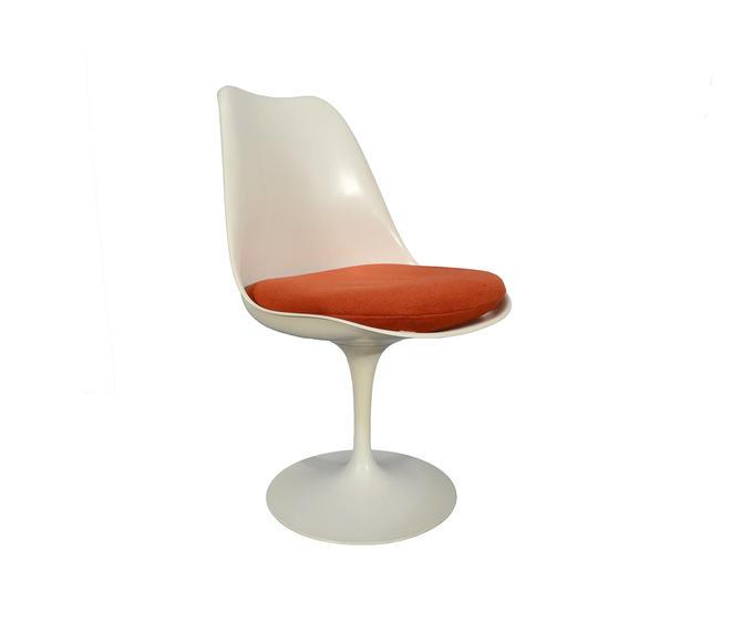 Eero Saarinen Knoll White Tulip Based Chair Mid Century Modern