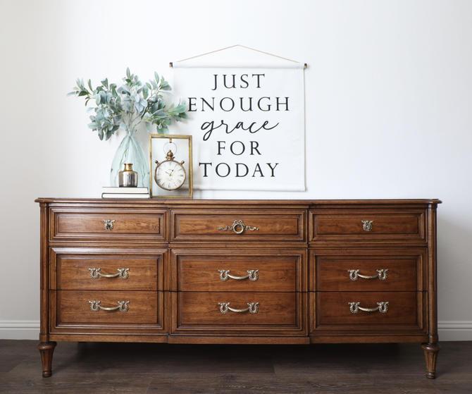 Henredon Dresser - Vintage Dresser - Wood Dresser - Bedroom Furniture - Long Dresser - Stained Wood Dresser - Vintage Furniture - Entryway by ARayofSunlight