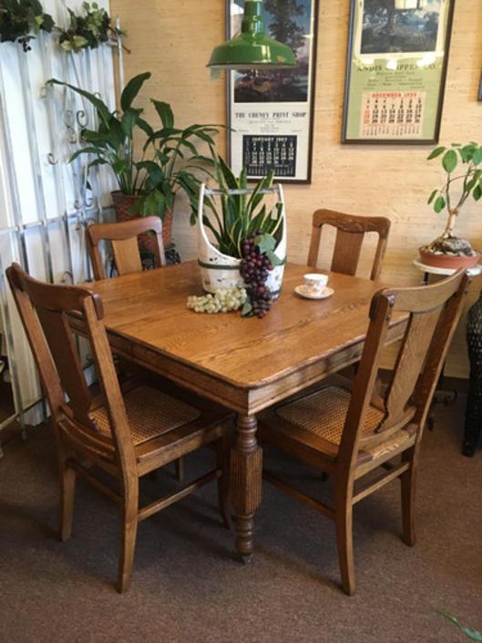 Circa 1900 Oak Dining Table