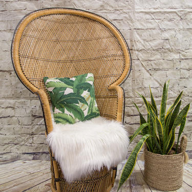SIPPING NOT FREE!!! Vintage Peacock Chair/Small size by WorldofWicker