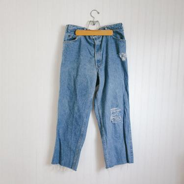 vtg distressed levis 540s high rise relaxed fit - 32 33 34 waist by foganddriftwood