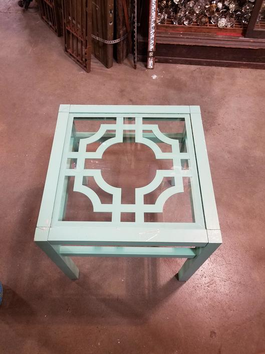 Decorative glass top end table