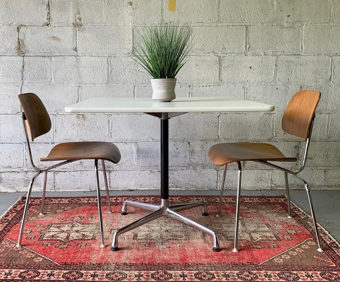Herman MILLER Mid Century Modern Square DINING TABLE by CIRCA60
