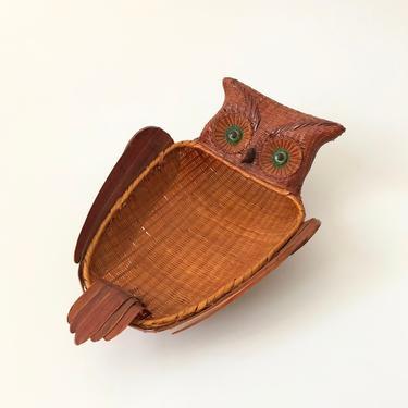 Large Vintage Wicker Owl Tray by SergeantSailor