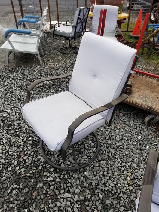 Outdoor Metal Swivel Chair