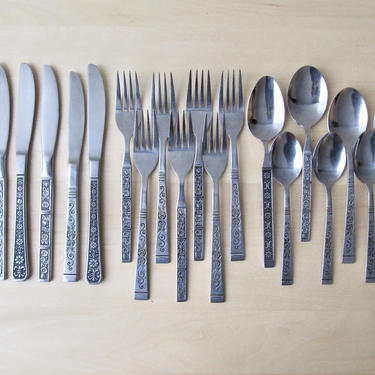 midcentury stainless flatware mix and match - 4 piece place setting - blackened floral scroll spanish revival by ionesAttic