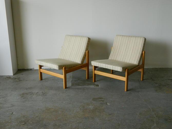 HA-18230 Pair of Danish Oak Slipper Chairs by Jorgen Baekmark for FDP Mobler