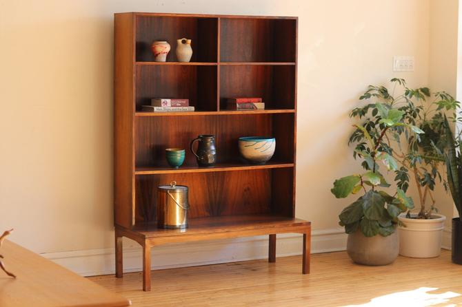 Mid Century Danish Modern Rosewood Shelving Unit by SharkGravy