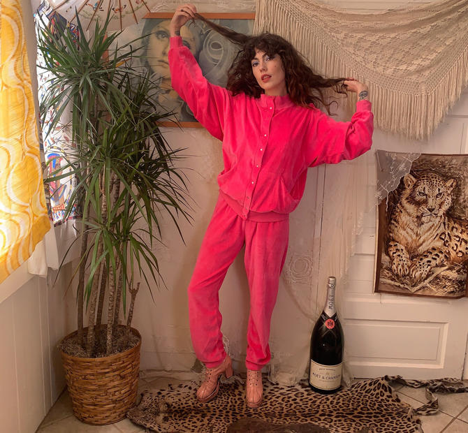 80's PINK TRACKSUIT - velour - two piece - pockets - snaps - small/medium/large by GlamItToHell