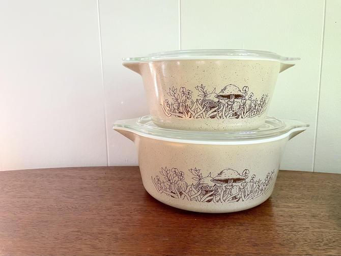 Vintage Pyrex Nesting Cinderella Bowl Forest Fancies Light Brown Casserole Set with Lids, 474-B and 475-B, MCM Retro Kitchen by BlackcurrantPreserve