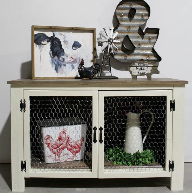 Farmhouse Cabinet – Entryway \/ Entertainment Stand