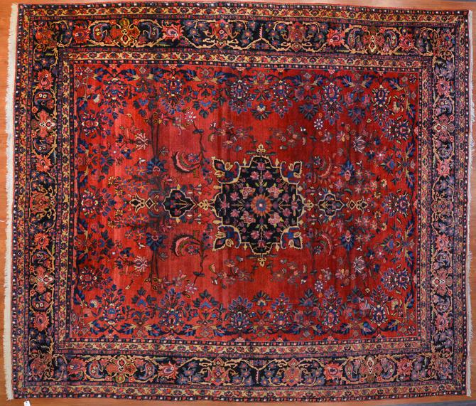 Semi-Antique Bahktiari Carpet, Persia, 11.5 x 13.1