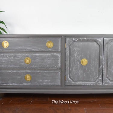 Ming Style Davis Cabinet Company Gray Cerused Sideboard