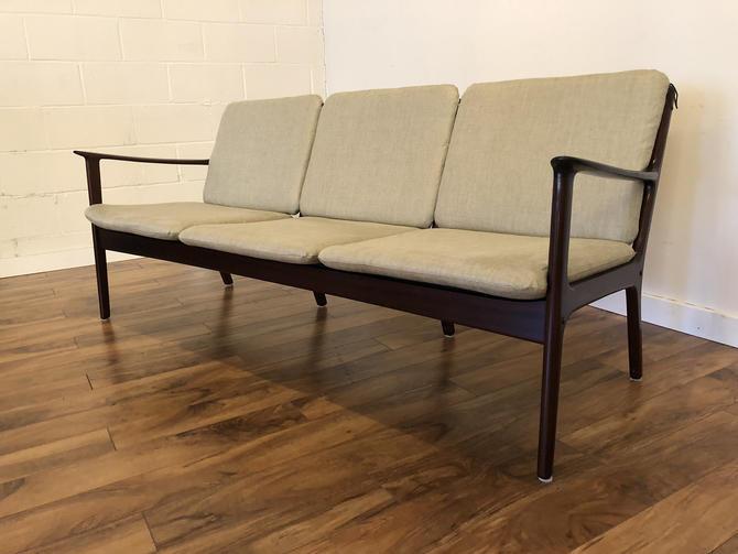 Vintage Mid Century Modern Sofa by Ole Wanscher for Poul Jeppesen by Vintagefurnitureetc