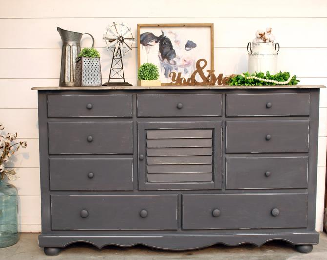 Farmhouse Queenstown Grey Dresser with Drybrushed Blended Grey Top