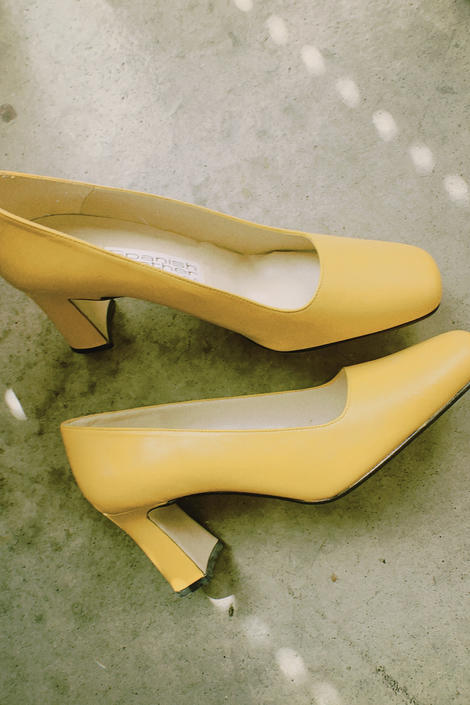 Vintage 90s | Spanish Leather Mustard Heels by TheMetalRomanticShop