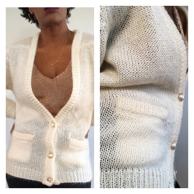 Vintage 1980s 1990s 80s Mohair Blend Sweater Cardigan Pockets Pearl Ivory V Neck Oversized Fuzzy Medium Top White Cream by KeepersVintage