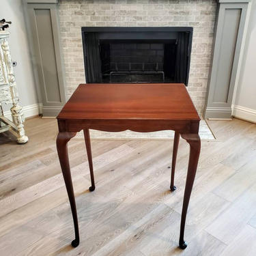 Vintage Queen Anne Mahogany Side Table by LynxHollowAntiques