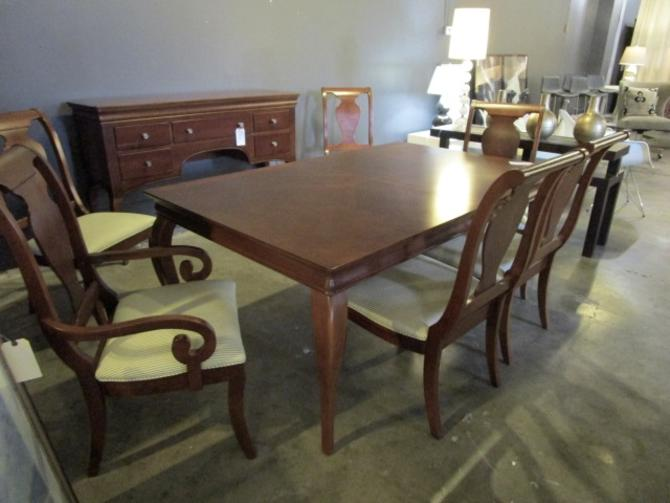 TRANSITIONAL DINING ROOM SUITE IN CHERRY WITH CABRIOLE LEGS / SIX CHAIRS / TABLE WITH TWO EXTENSIONS