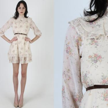 Vintage 70s Ivory Garden Dress / Ruffle Lace Neckline Floral Bouquet Dress / 1970s Wild Flower Country Dress / Tiered Full Skirt Mini Dress by americanarchive