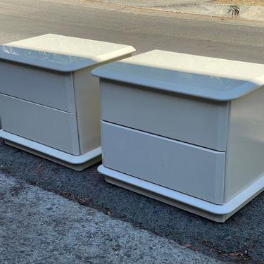 1980s Mid Century Modern Cream Lacquered Nightstands by HollywoodHillsModern