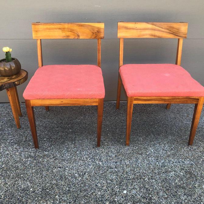 Set of 2 Mid Century Japanese Modern Wood Chairs by DesertCactusVintage