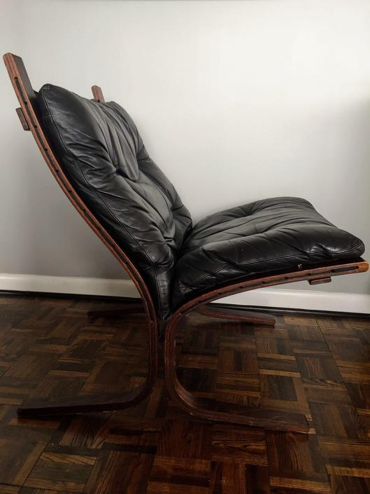 1960s Ingmar Relling Leather Siesta Chair by Westnofa by UrbanInteriorsBalt