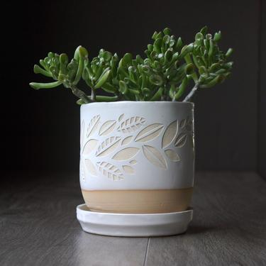 """Leaf Planter with Saucer - 4"""" plant pot with drainage in white or black by BreadandBadger"""
