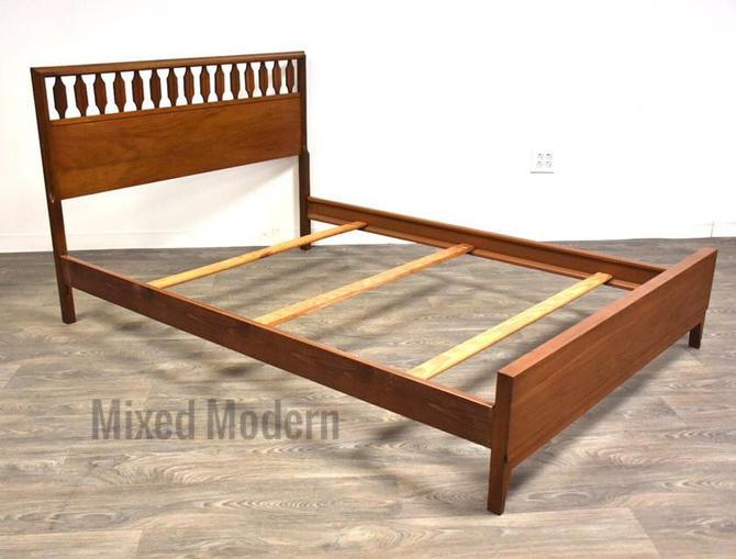 Johnson Carper Walnut Full Bed by mixedmodern1