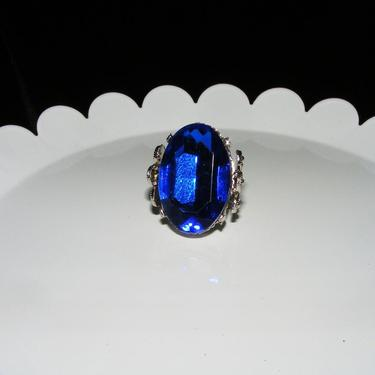 Large Royal Blue Faceted Acyrlic Jeweled ring in size 6 by AllMyItems