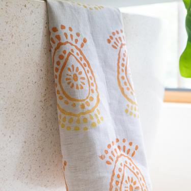 Linen Tea Towel in Pineapple Flower Ombré