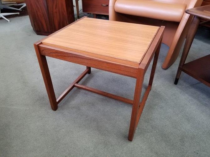 Danish Modern teak flip top side table / ottoman