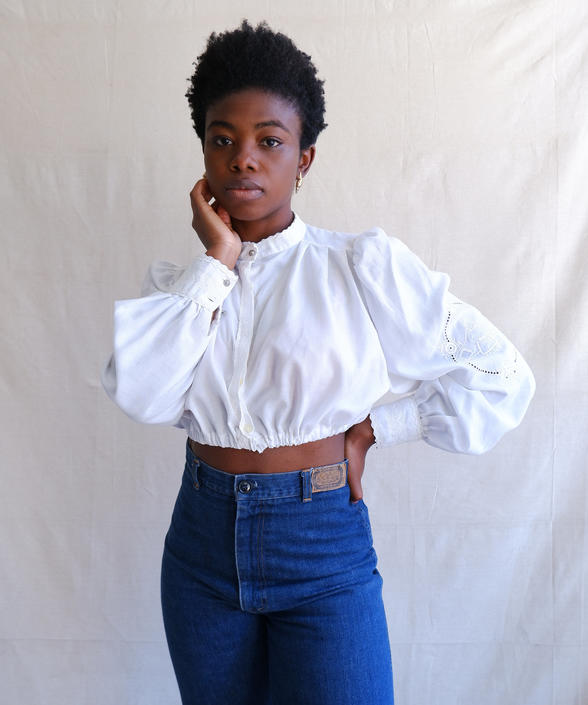 Vintage 80s Cropped White Blouse with Balloon Sleeves/ 1980s Band Collar Peasant Blouse/ Embroidery/ Size Medium Large by bottleofbread