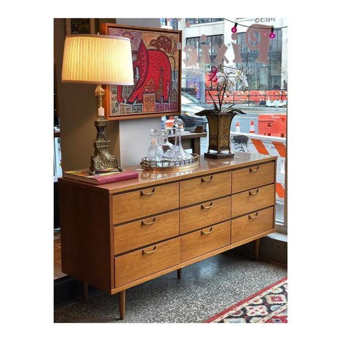 """Vintage Midcentury Modern 9 Drawer Dresser 18"""" x 60"""" x 30"""""""