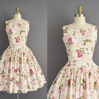 vintage 1950s dress | Gorgeous Floral Print Sweeping Full Skirt Cotton Day Dress | Medium | 50s vintage dress by simplicityisbliss