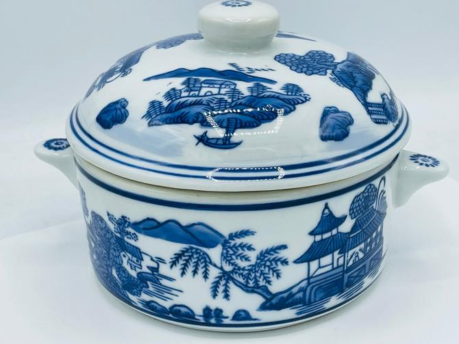 """Vintage Blue and White lidded Soup Tureen Featuring  China Country Scene- 6.5""""- Chip Free by JoAnntiques"""