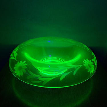 Vintage Uranium Glass Rolled Edge Etched Glass Center Console Bowl by OverTheYearsFinds